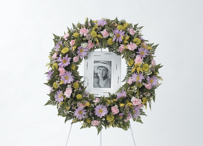 Sympathy wreath with picture